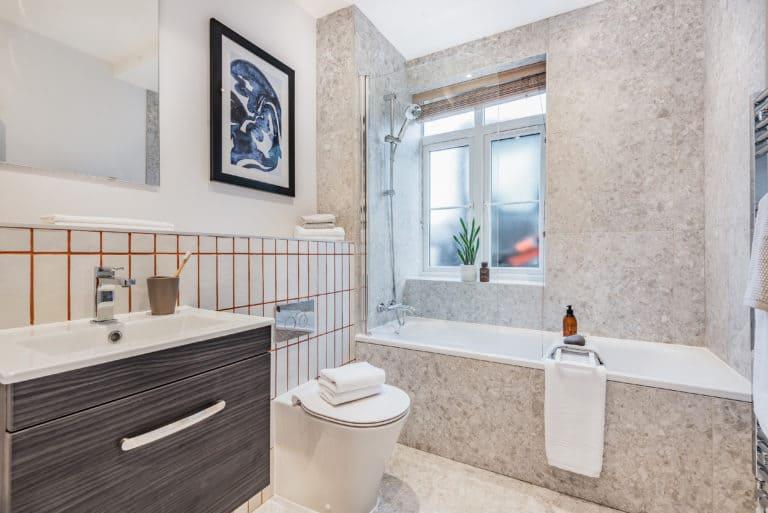 Bathroom | Priors Corner